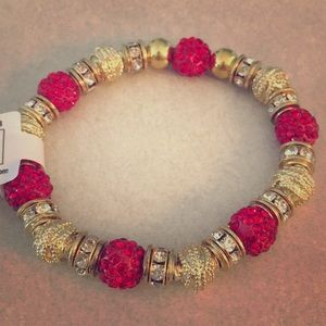 4 for $20 💫 | Red and gold beaded bracelet